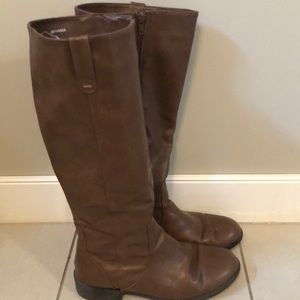 Shoes - Brown leather tall boots